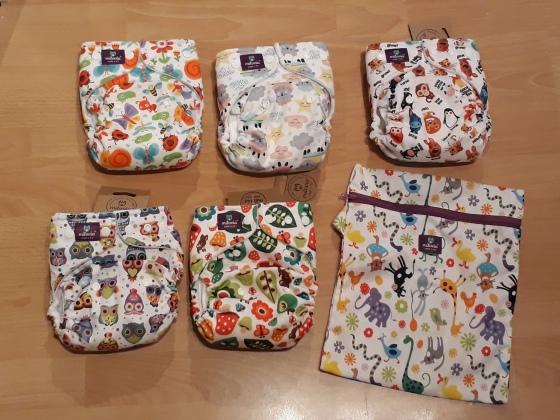 Milovia nappy designs and carry bag